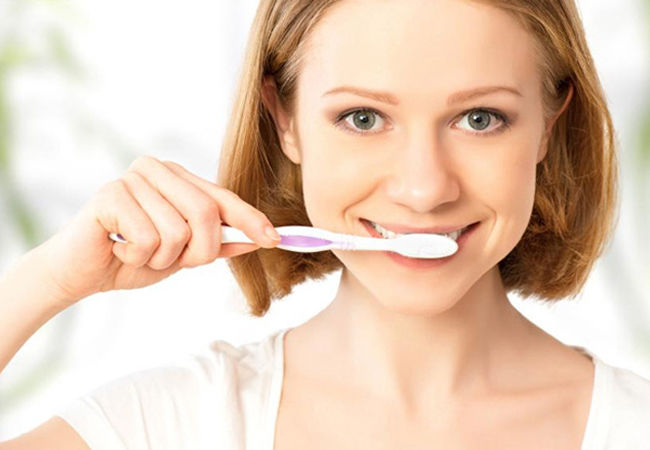 чищу зубы порошком