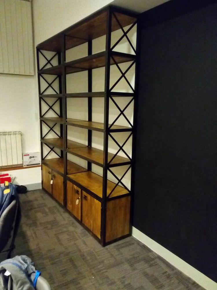стильные стеллажи, лофт, офис в стиле лофт