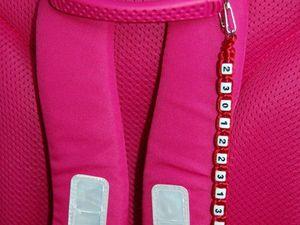 Брелок с номером телефона для школьного рюкзака. Ярмарка Мастеров - ручная работа, handmade.