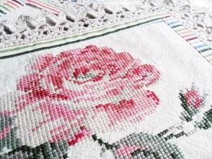 Предлагаю поторговаться за комплект салфеток с вышитыми  розами. Ярмарка Мастеров - ручная работа, handmade.