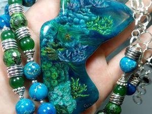 Коралловый риф – крупная подвеска с лаковой росписью на шикарных бусах.. Ярмарка Мастеров - ручная работа, handmade.