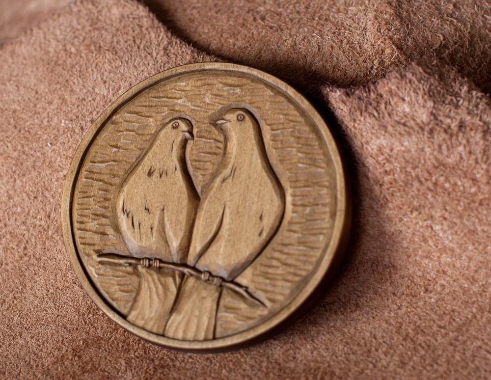 деревянная монета, семья