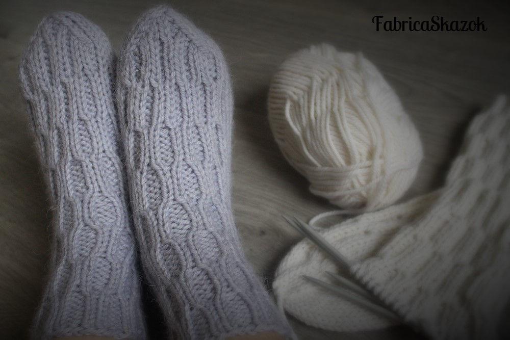 тёплые вещи, шерстяные носки, зимняя одежда