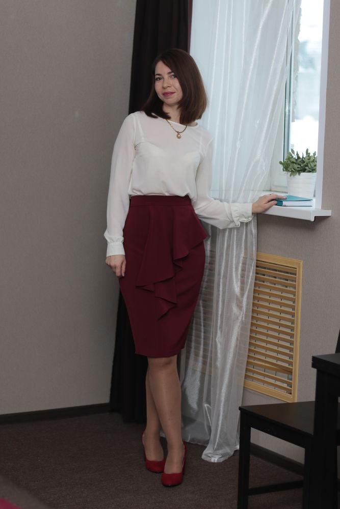 юбка карандаш, юбка с воланом, марсала, костюмная ткань