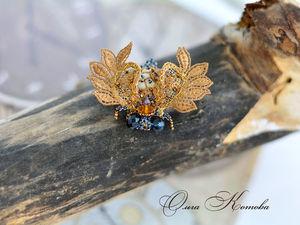 Золотой кружевной брошь жук с люневильской вышивкой в наличии. Ярмарка Мастеров - ручная работа, handmade.