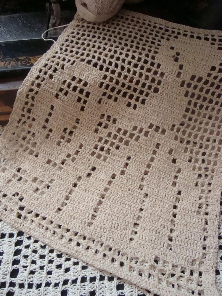 пряха, ручное вязание, вставка с пряхой, декоративная подушка