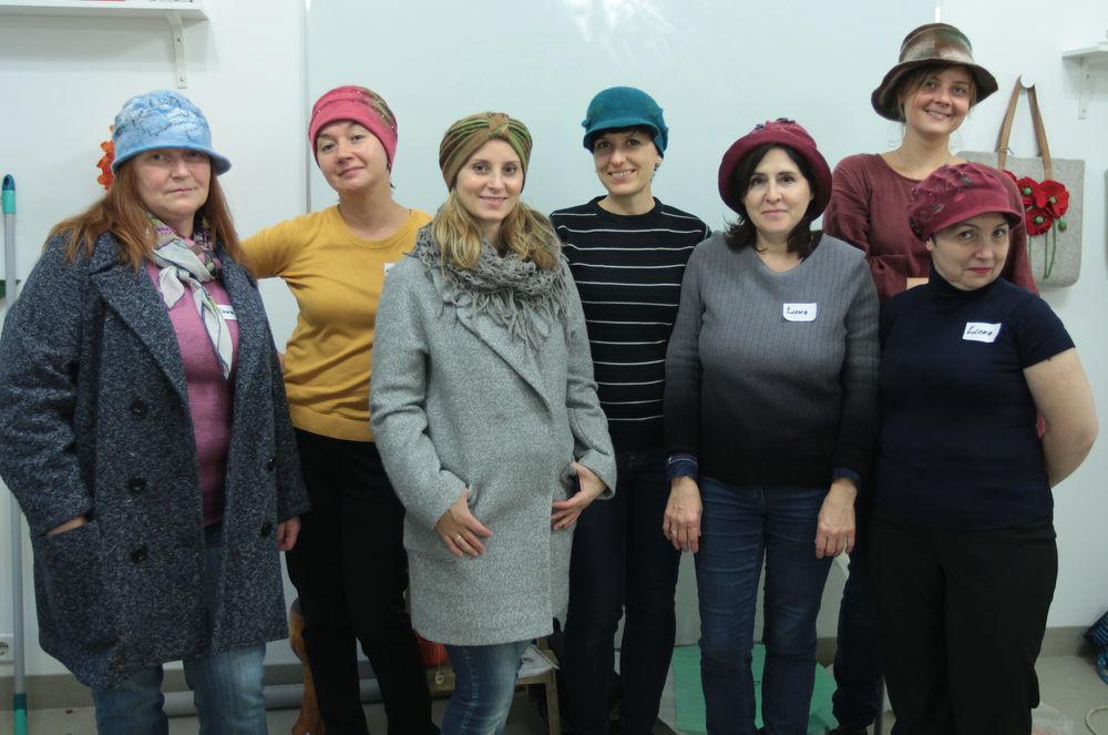 Головные уборы из шерсти: шапочки, шляпки, кепки, береты, фото № 35