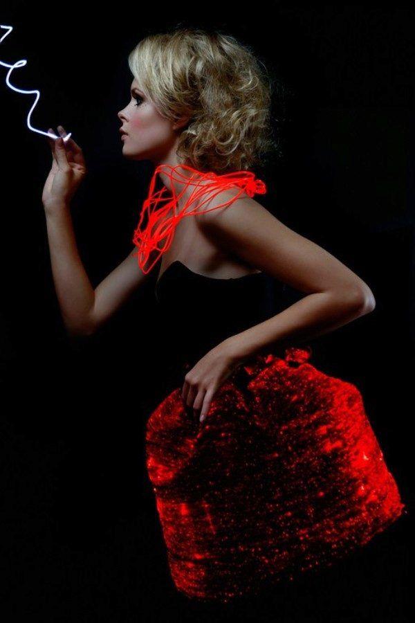 платья с диодами