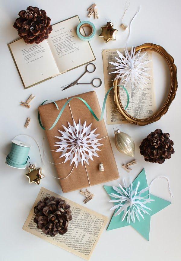 giochi di carta: Paper snowflakes