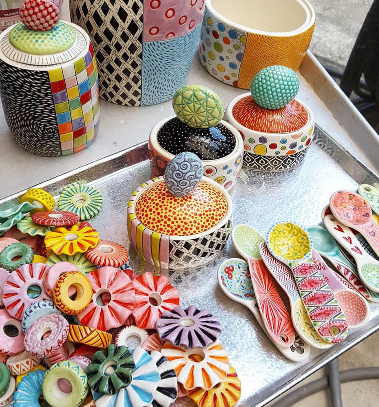 A Love Affair with Clay: Bright Pottery by Charity Hofert, фото № 27