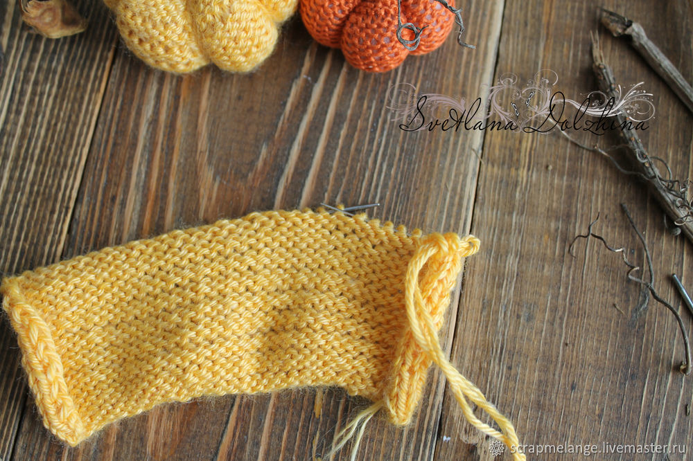 Knitting a Sweet Pumpkin for Halloween Home Decor in 30 Minutes, фото № 4