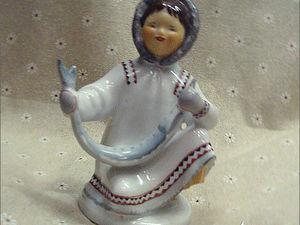Якутка с севрюгой. ЛФЗ. Фарфоровая статуэтка. Ярмарка Мастеров - ручная работа, handmade.