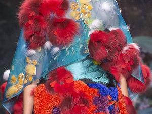 Зимние цветы в коллекции осень-зима 2017/2018 от Fendi. Ярмарка Мастеров - ручная работа, handmade.