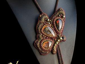 Аммолитовая бабочка галстук боло и миниатюрные серьги. Ярмарка Мастеров - ручная работа, handmade.