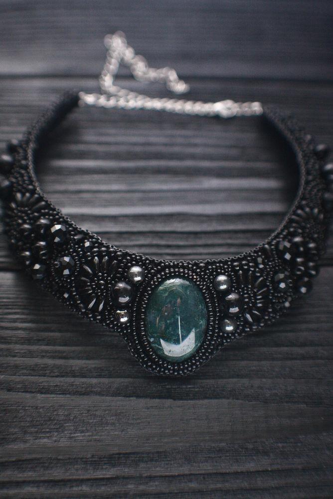 украшения с камнями, зеленый