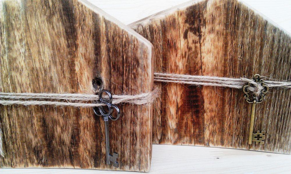 деревянный домик, коричневый, старое дерево, интерьерная композиция