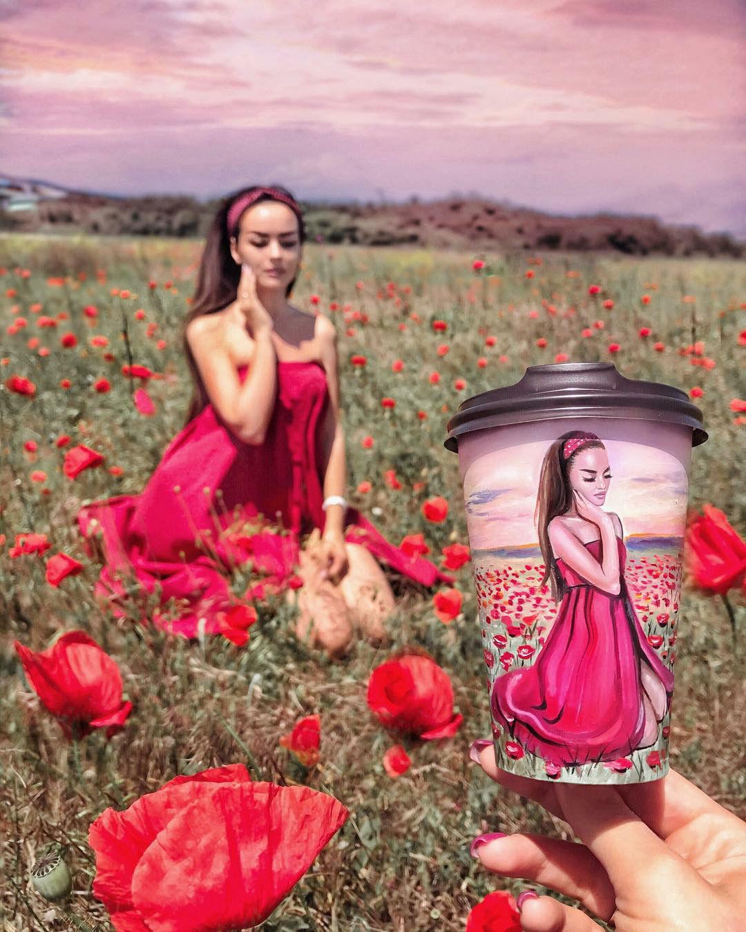 Что было раньше — рисунок или фото? Ожившие портреты на кофейных стаканчиках от Виталии Бойко
