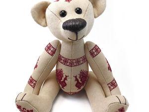 Первый парень на деревне, вся рубашка в петухах: шьем мишку Тедди со славянской вышивкой. Ярмарка Мастеров - ручная работа, handmade.