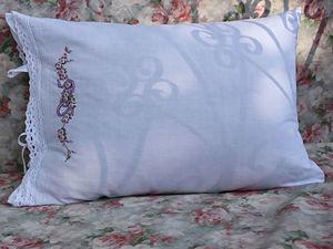 Белые наволочки с ручной вышивкой. Ярмарка Мастеров - ручная работа, handmade.