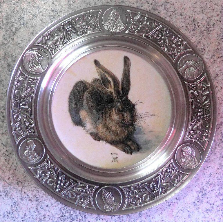 декоративная тарелка, картина заяц