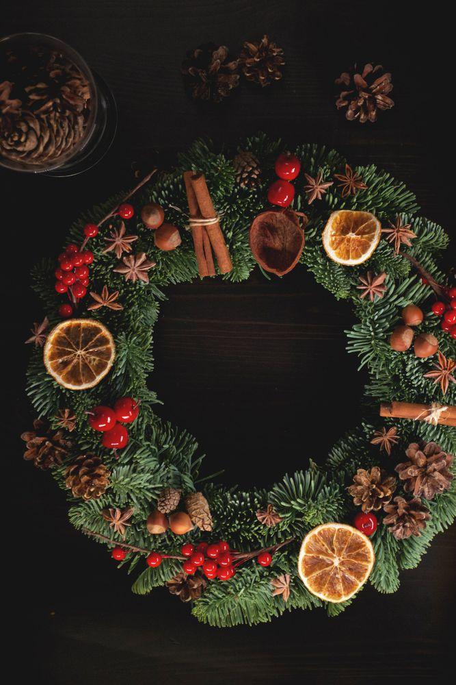 венок из ели, новогодний венок, подарок на рождество