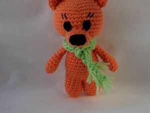 Вяжем крючком маленького медвежонка. Ярмарка Мастеров - ручная работа, handmade.