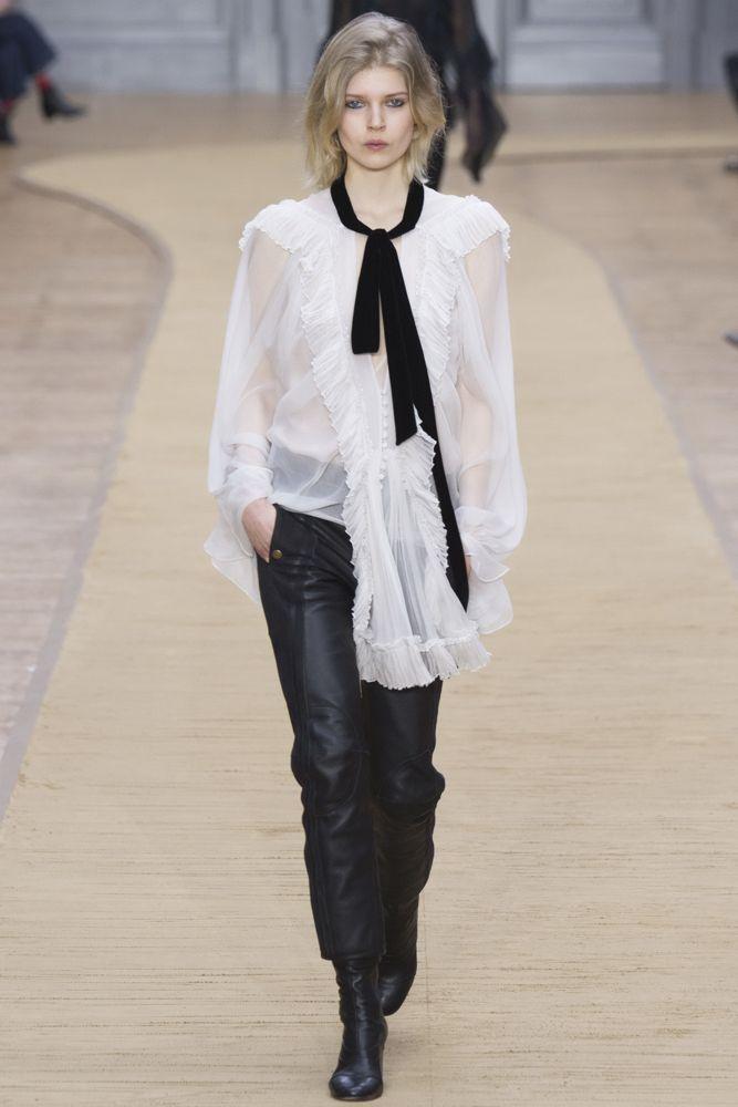 Длинный узкий шарфик: как и с чем носить этот стильный аксессуар, фото № 1