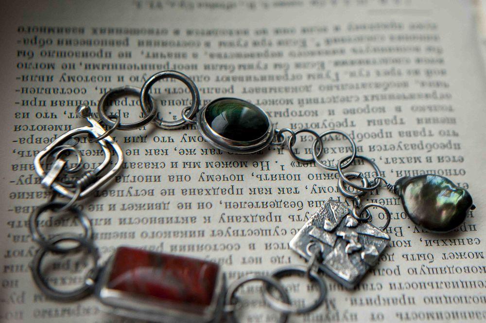 браслет серебро камни