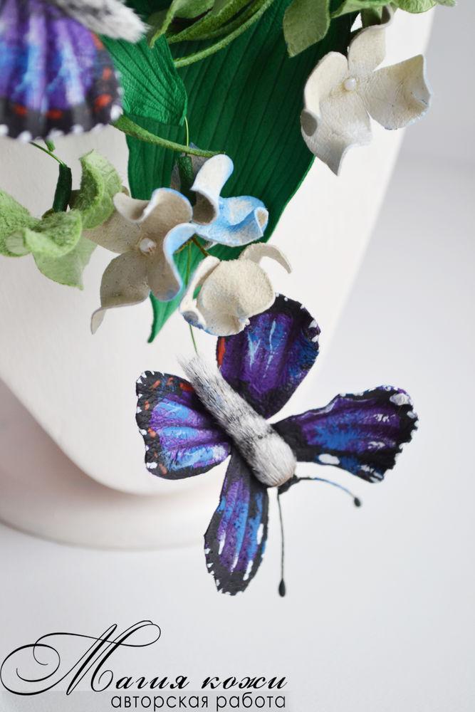 колье с бабочками