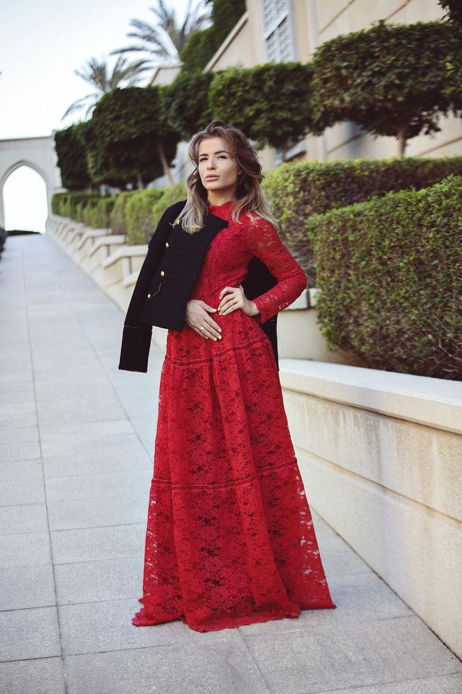 длинное платье, платье из кружева, дизайнер одежды