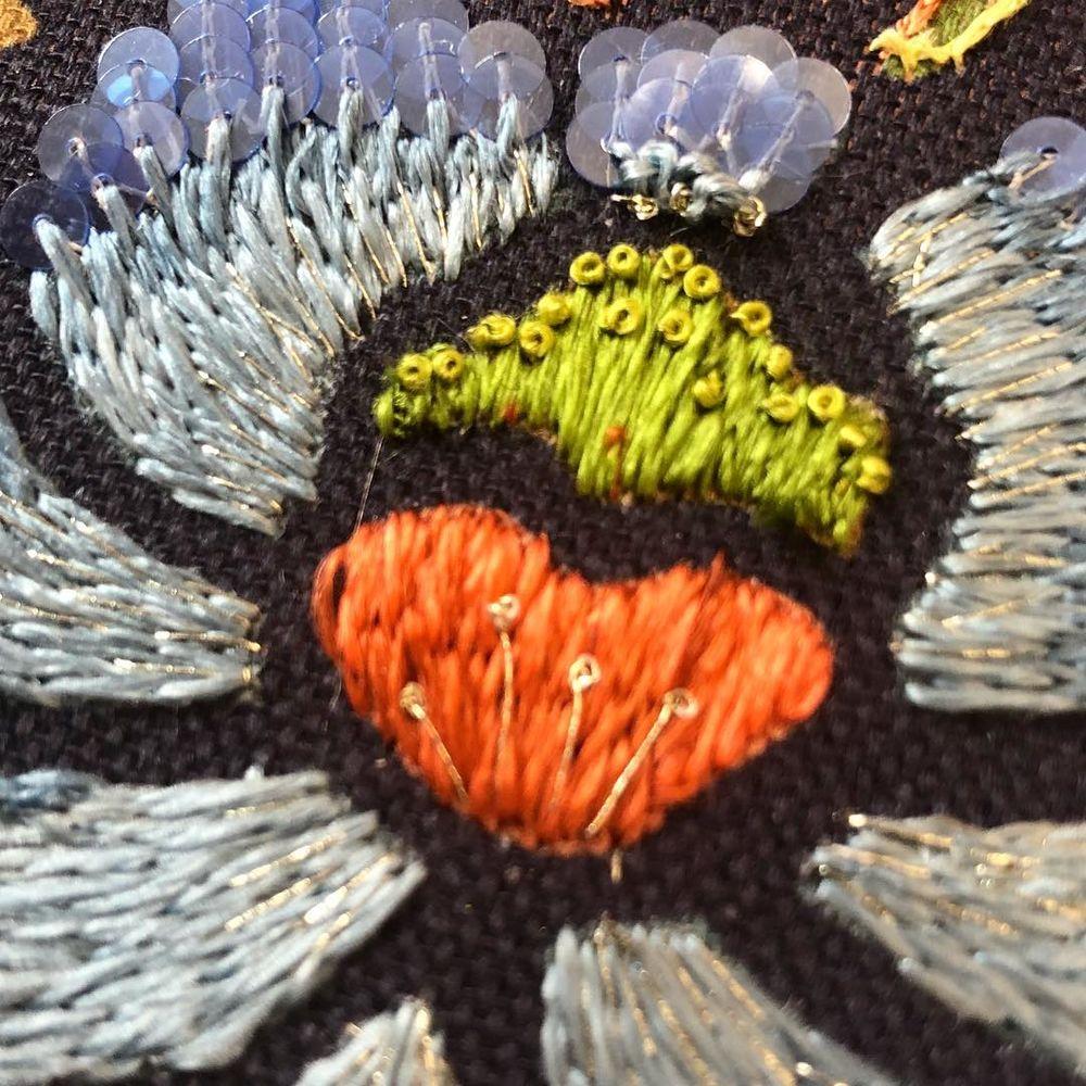 люневильская вышивка, мулине, оттенки, пантон, вышивка ручная, принт