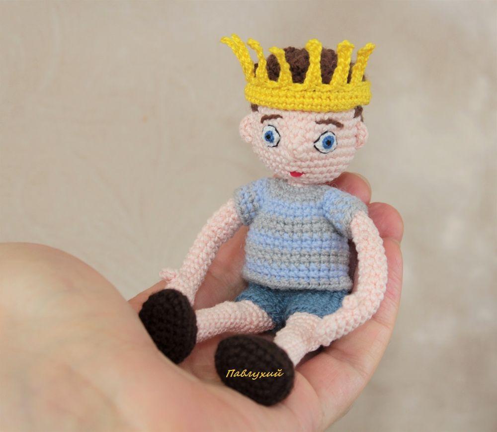 сувенир своими руками, вязаный принц, подарок одинокой девушке