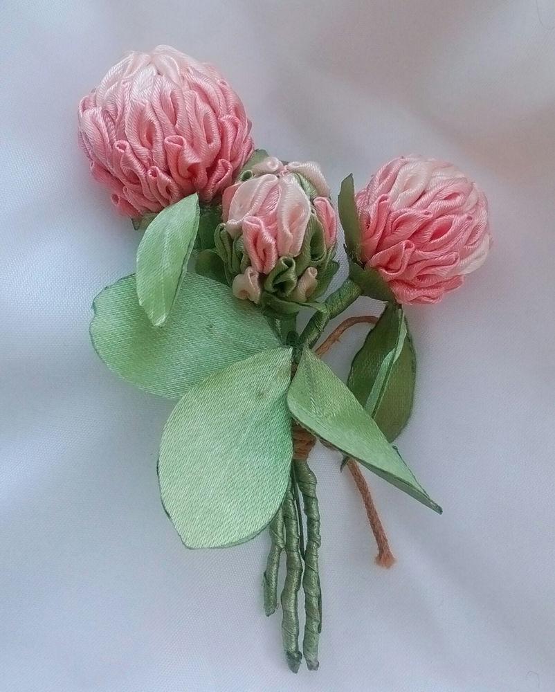 клевер, цветы из атласа, цветок бутоньерка, цветок канзаши, клевер луговой
