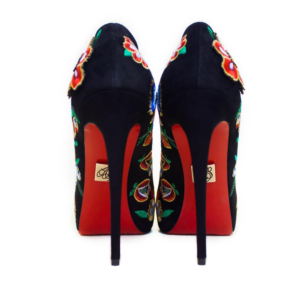 дизайнерская обувь, обувь, эксклюзивная обувь, обувь женская в наличии