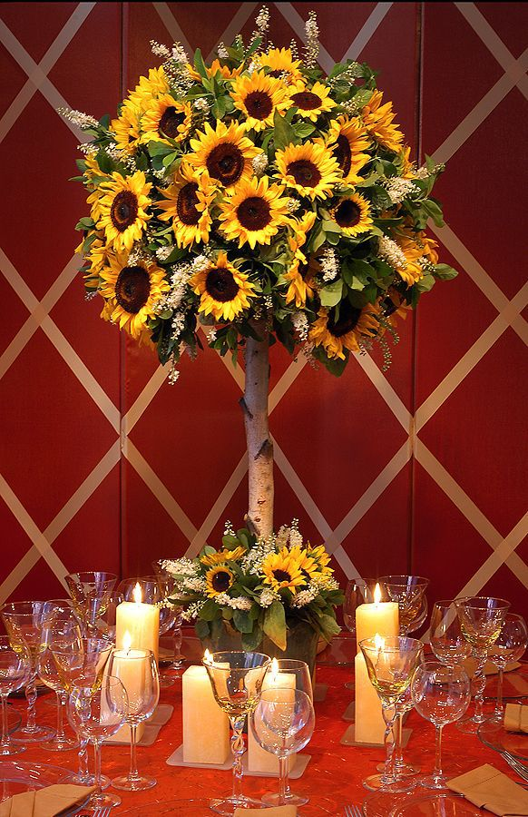 Sunflower Centerpieces For Late Summer Picnic   Inspirations