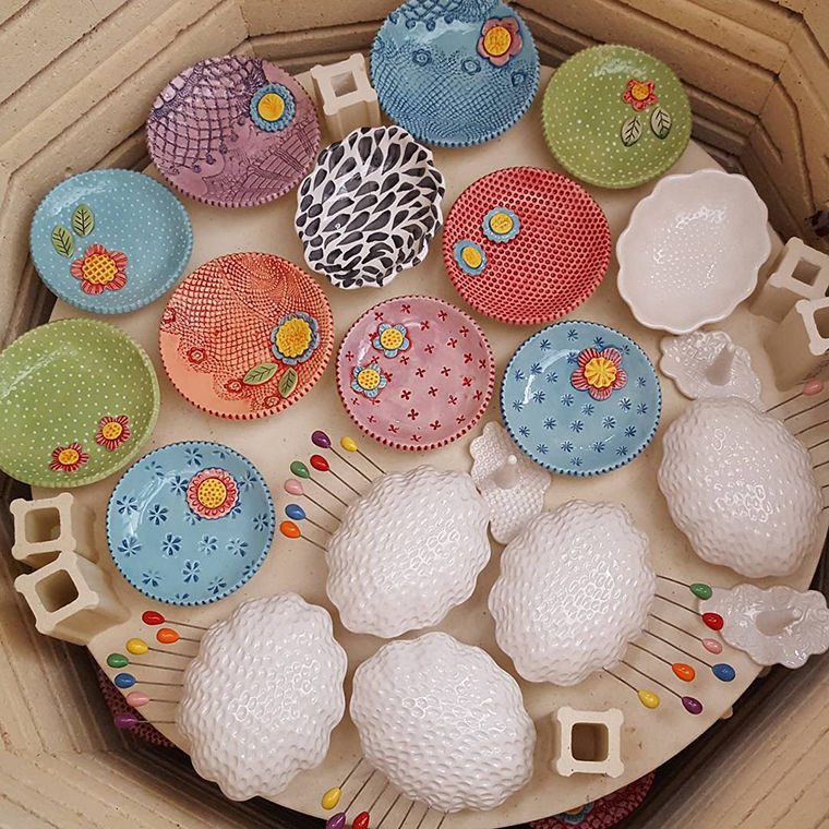 A Love Affair with Clay: Bright Pottery by Charity Hofert, фото № 20