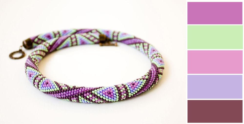 фиолетовый в украшениях