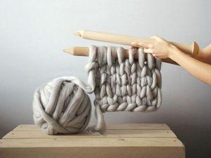 Вязаные вещи из толстой пряжи. Уют гигантских петель от дизайнера Анны Мо. Ярмарка Мастеров - ручная работа, handmade.
