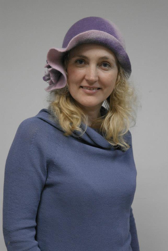 шляпа из кардочеса