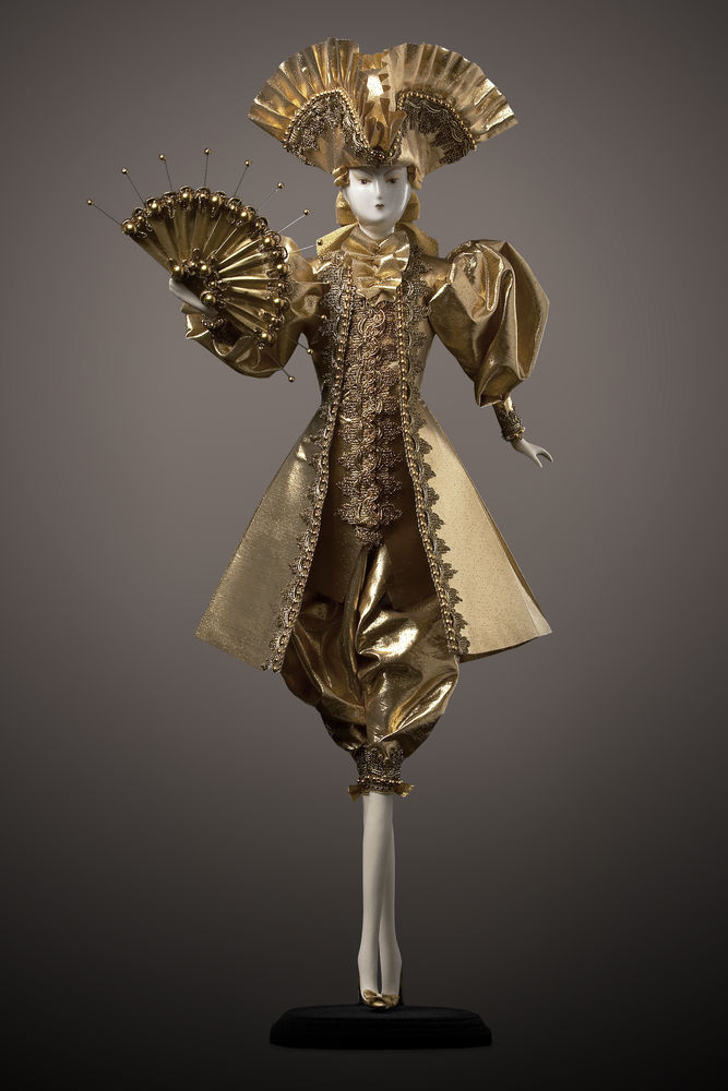 фарфоровая кукла, ручная работа, подарок, интерьер, золото, декор, кавалер, парча