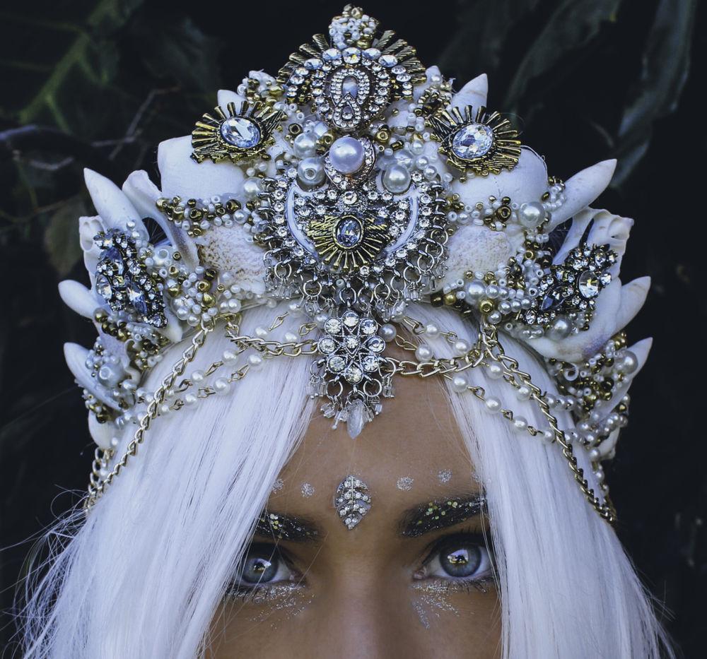 Великолепные короны из морских ракушек от Chelsea Shiels, фото № 20