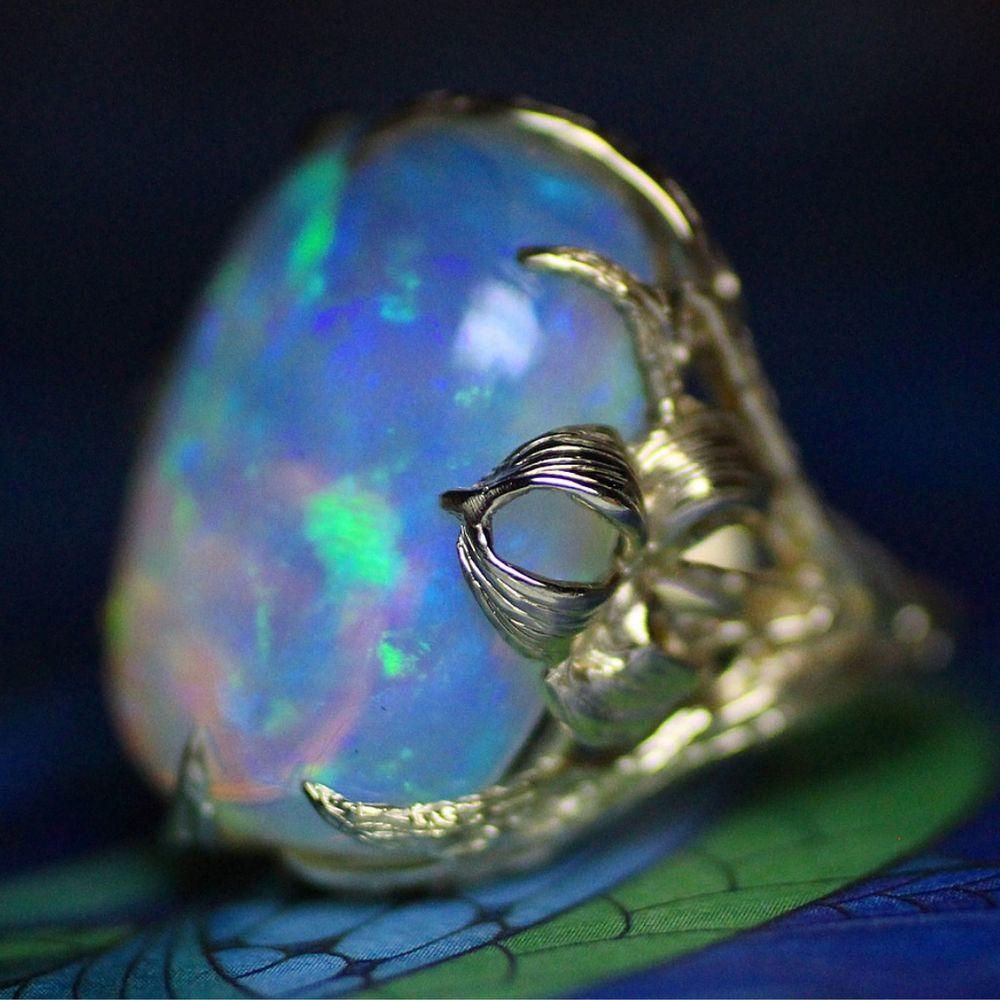 ирис, кольцо орхидея, золотое кольцо с опалом, опал кабошон