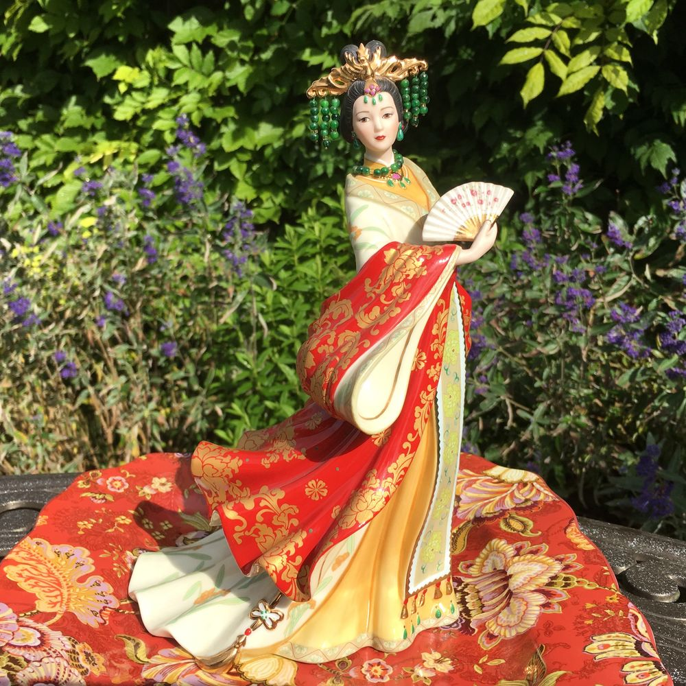 викторианская роза, фарфор статуэтка