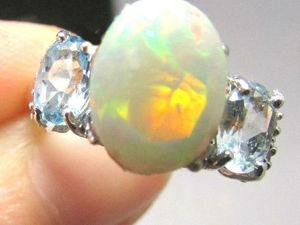 Аукцион! Старт 6000. Золотое кольцо с Эфиопским опалом, топазами и бриллиантами. Ярмарка Мастеров - ручная работа, handmade.