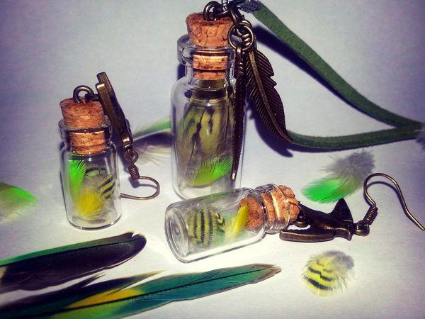 Легко и просто создаем комплект кулонов «Яркие перышки в баночке» | Ярмарка Мастеров - ручная работа, handmade
