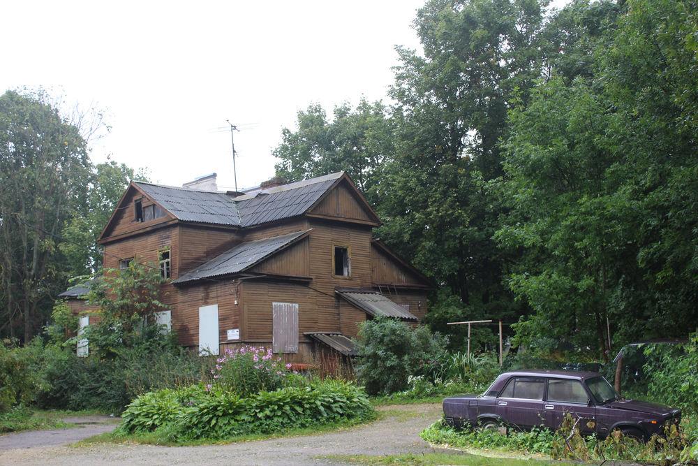картина, брошенный дом