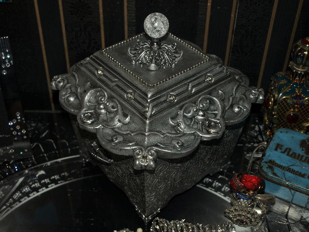 ларец с сокровищами, подарок женщине