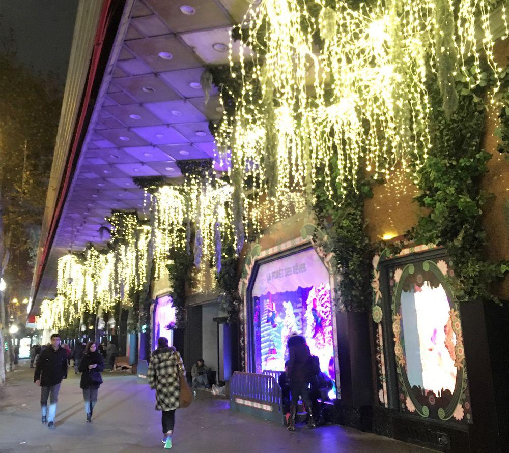 Рождественские витрины Galerie la Fayette Paris 2018