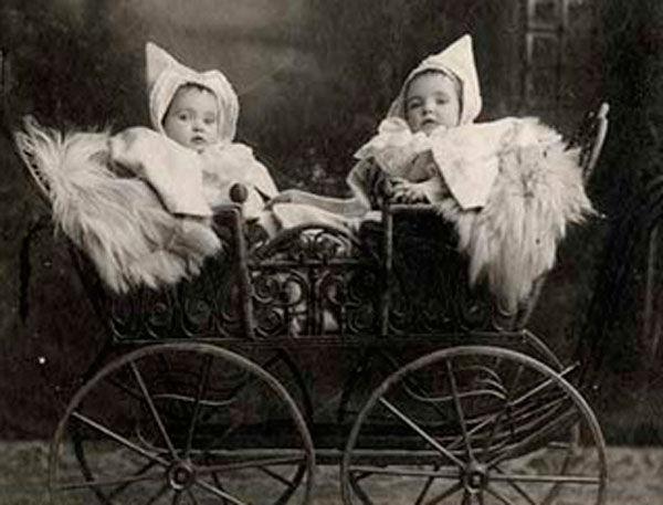 коляска старинная