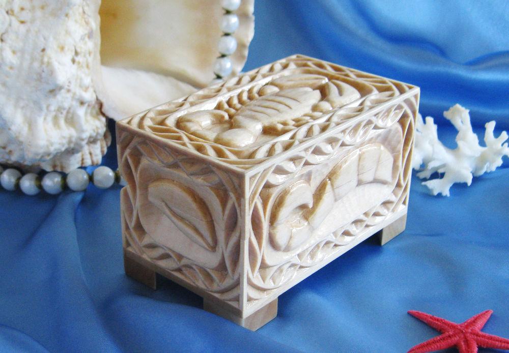 деревянная шкатулка, геометрическая резьба, резьба по дереву